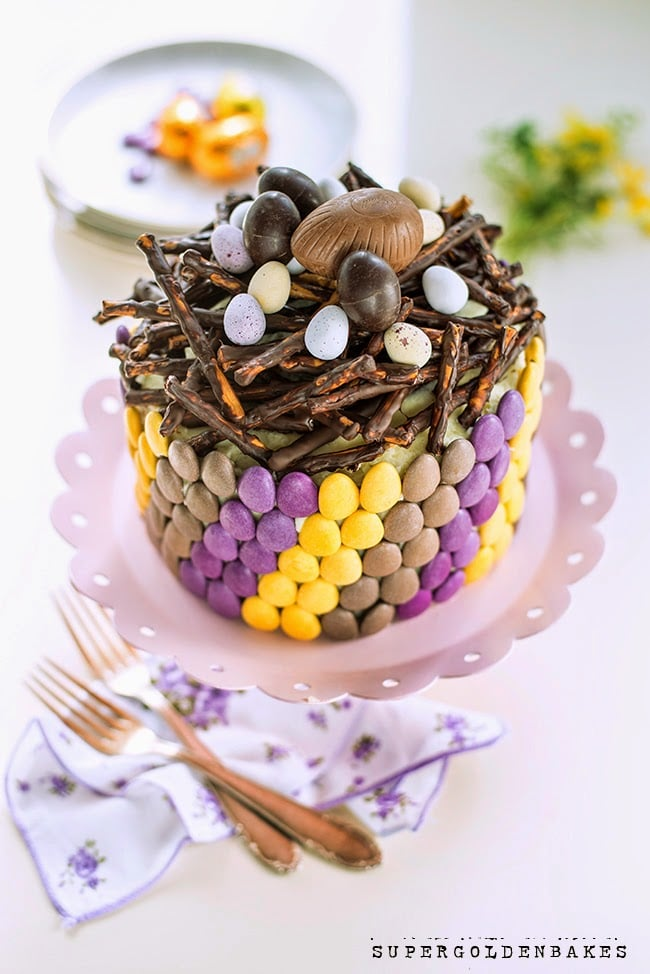 Looking for a beautiful cake for Easter Sunday? We have 17 creative Easter cake ideas for you! These recipes and decorating ideas range from easy and simple to elegant and stunning - plus we have tons of cute bunny cakes for the kids! #Easter #easterdesserts #easterrecipes #eastercake