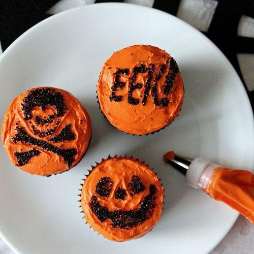 Halloween Cupcake Ideas with black sprinkles