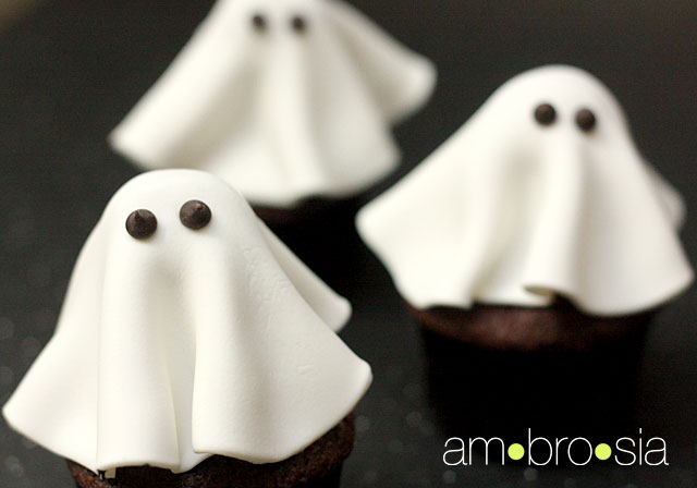 ghost Halloween Cupcakes