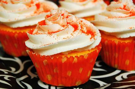 orange velvet Halloween Cupcake Idea