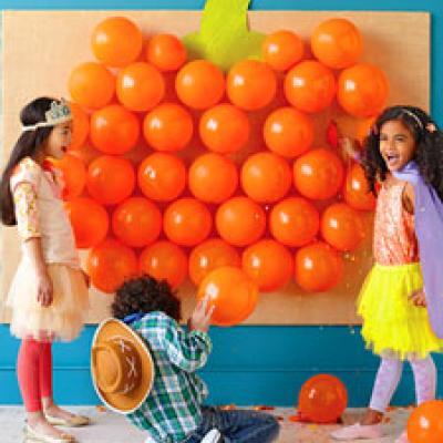halloween-game-ideas-pop-goes-the-pumpkin