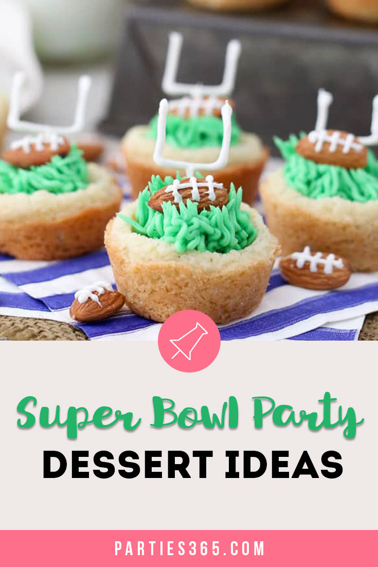 It's time for Super Bowl party food! Yay! We found 25 awesome football themed dessert ideas that are perfect for your Super Bowl party! #superbowl #dessert #football #partyfood