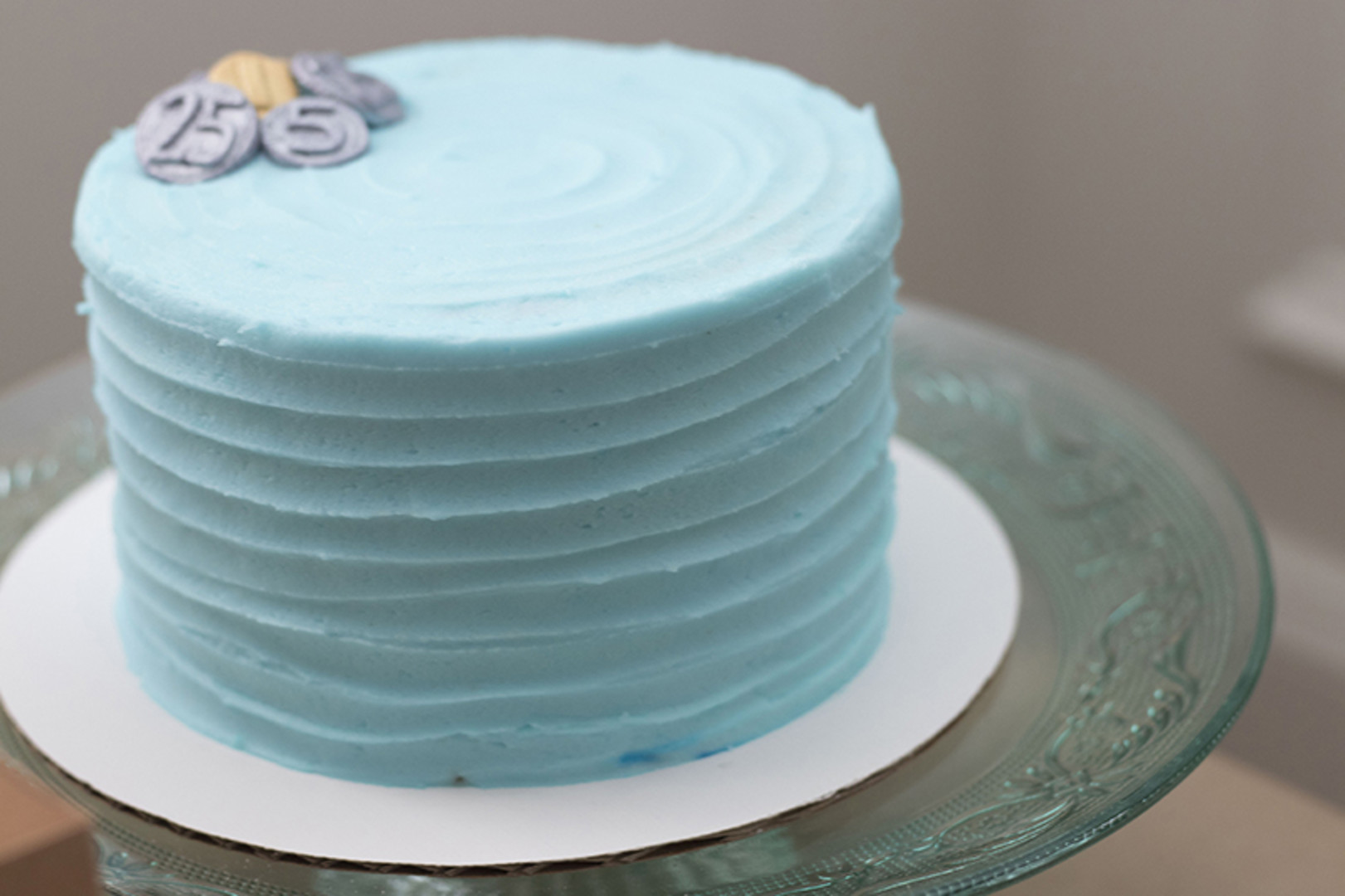 blue smash cake for first birthday party