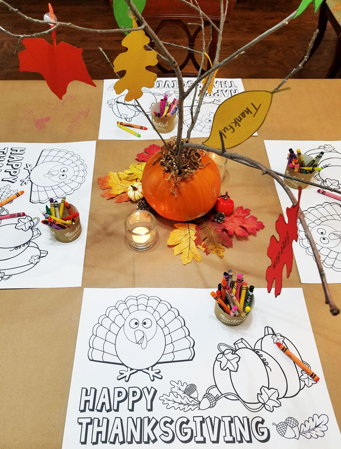 Thanksgiving kids table with printable thanksgiving placemats to color