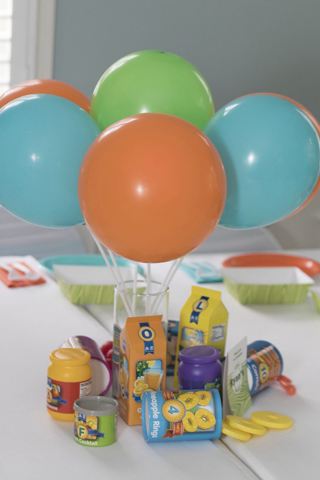 balloon centerpiece for first birthday party