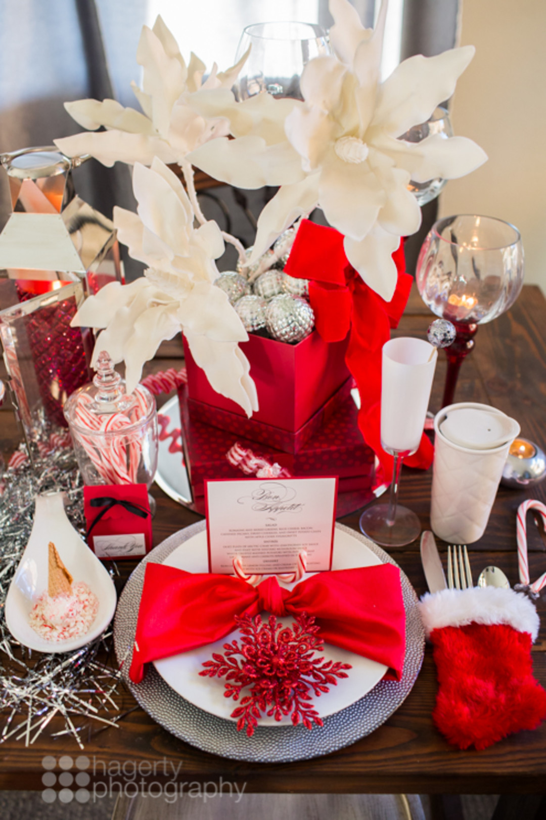 red and white Christmas table decor inspiration