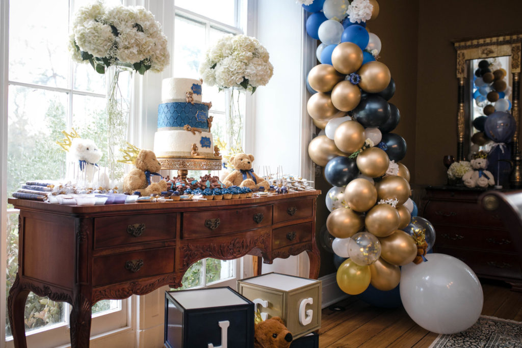 A Royal Teddy Bear baby shower theme is so much fun for a baby boy or girl. Check out this shower for ideas on decorations, food, favors and more! #babyshower #partythemes #babyboy #teddybear