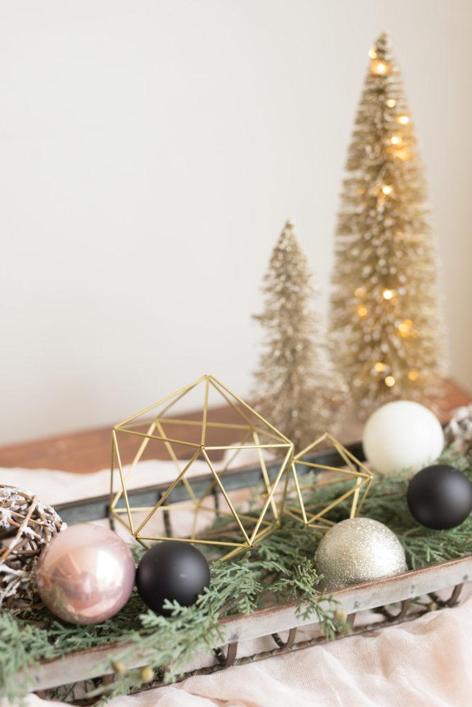modern Christmas centerpiece ideas