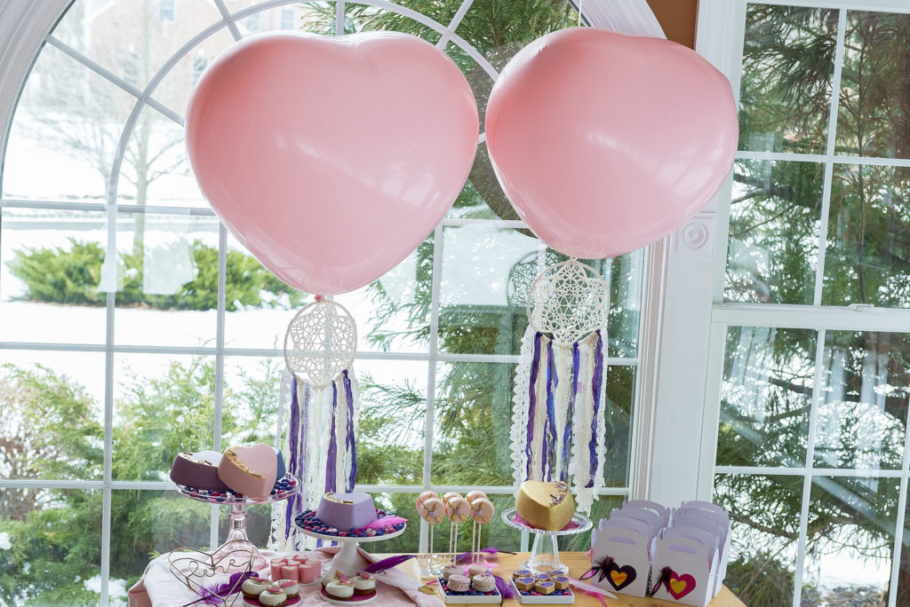 This sweet Dream Catcher themed girl's Valentine's Day Party for kids is full of cute ideas for decorations, desserts, balloons and more! The lovely Galentine's Day tablesetting is playful and fun and will inspire your classroom, home or friends party! #Valentines #ValentinesDay #PartyIdeas #partysupplies #Galentines