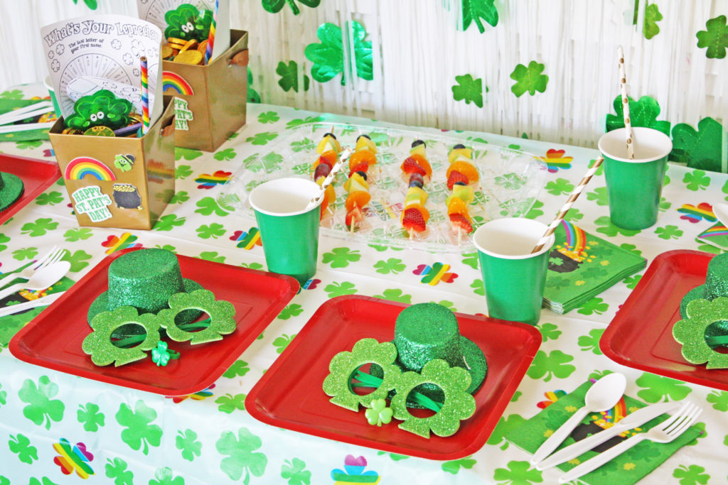 St. Patrick's Day is full of fun party opportunities and we have some of the best decoration ideas for kids and adults! Rainbows, leprechauns, green shamrocks and pots of gold, you're sure to find the perfect party decor here! #stpatricksday #shamrocks #partyideas #lucky