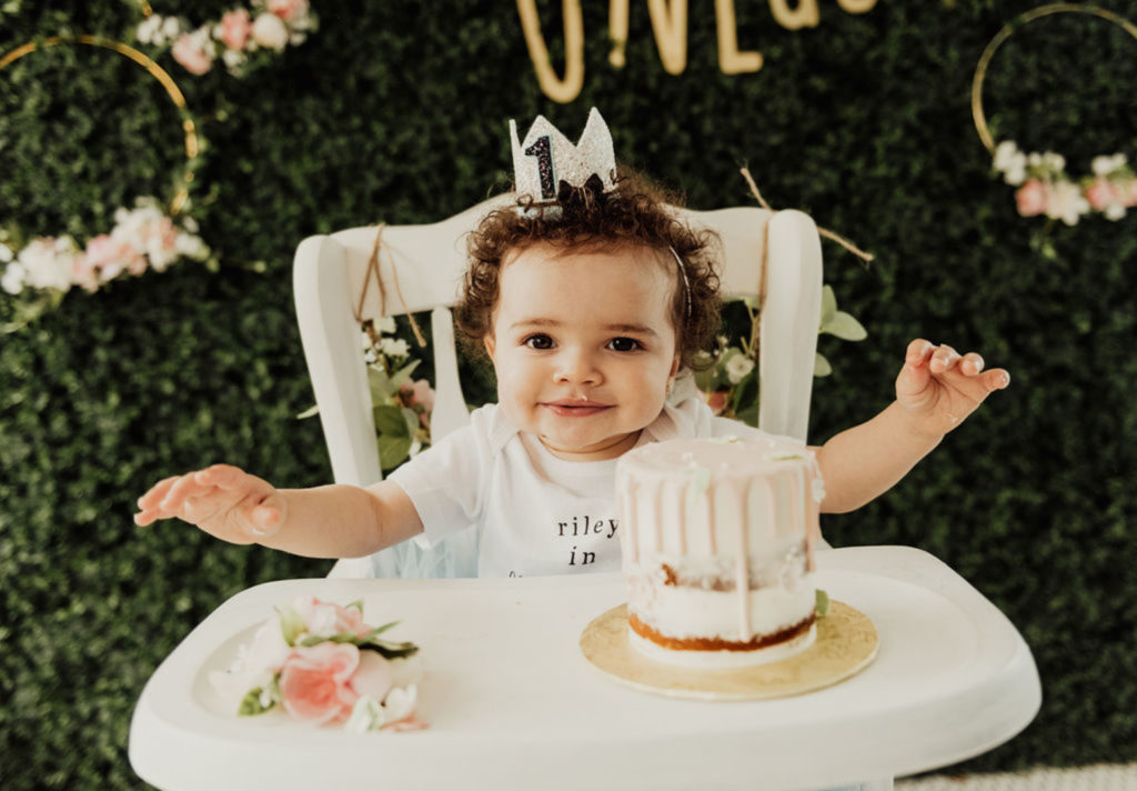 An Alice in ONEderland Party is a great theme for a girl's First Birthday! This whimsical party is full of ideas for decorations, food, cake, centerpieces and more! #onederland #aliceinwonderland #firstbirthday #1stbirthday #partyideas