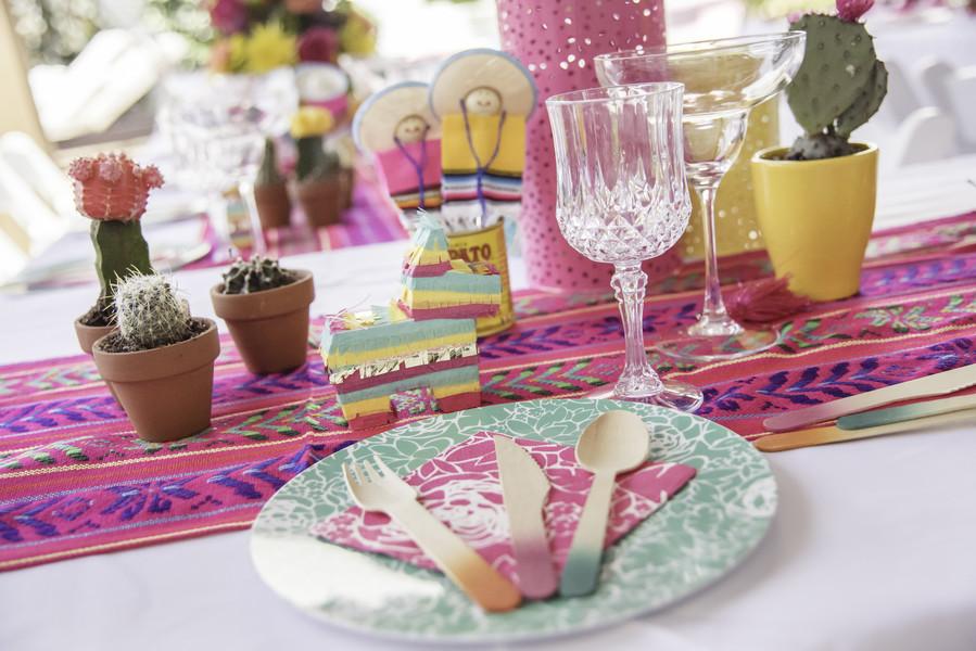 bridal shower fiesta table setting ideas