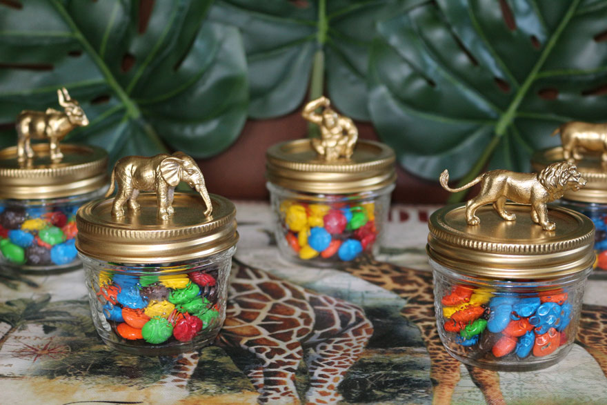 gold safari animal topped party favors