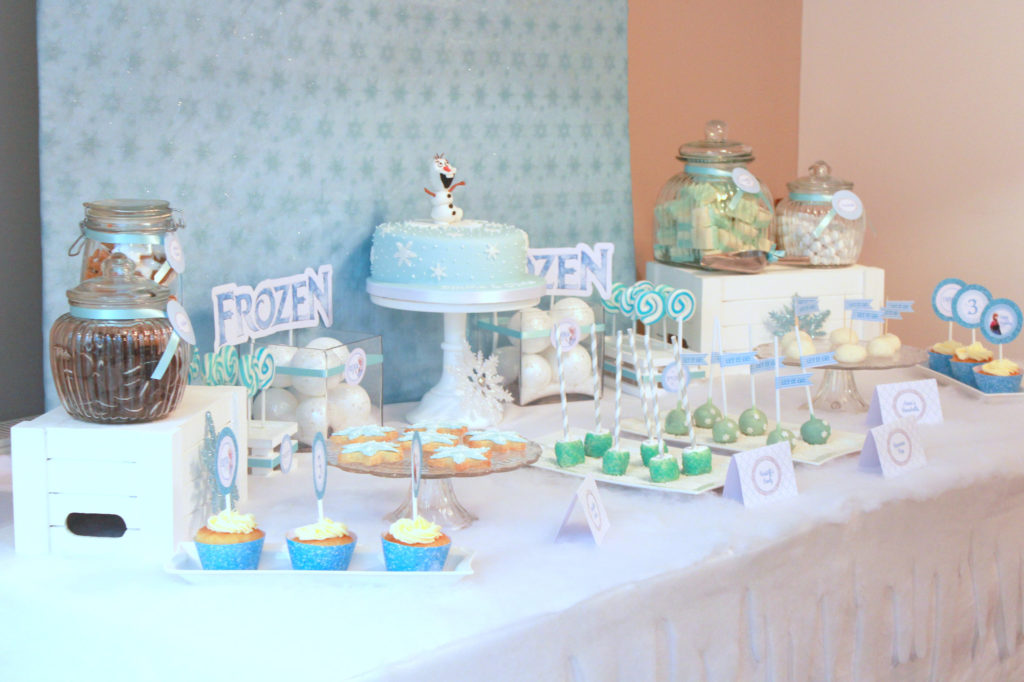 Ready to throw an amazing Frozen Birthday Party and need ideas for decorations, favors and more? This Disney theme is so fun and we have the best ideas for invitations, decor and party supplies Anna, Elsa, Olaf and the Arendelle gang will love! #frozen #frozen2 #birthdayparty #partysupplies #elsa