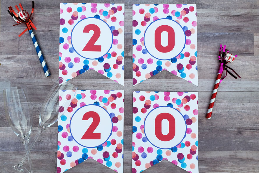 "Download this FREE ""2020"" New Year's printable party banner to dress up your New Year's Eve party! #2020 #printable #newyears"