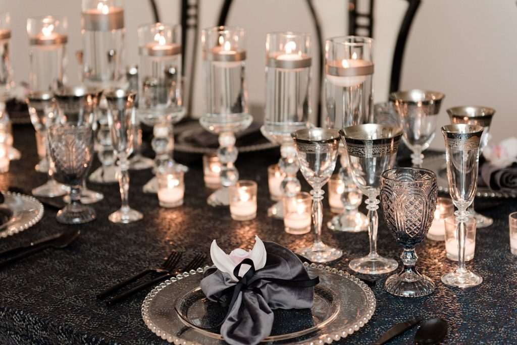 ideas for Hanukkah tablescapes