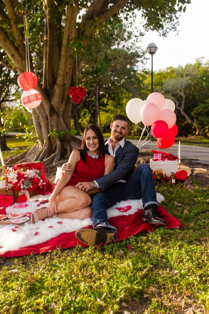 Throw a fabulous Valentine's Day Picnic to celebrate your love for the kids or for him this year! This gorgeous picnic is full of ideas for a special Valentine's party, romantic dinner or unique celebration that will surprise and delight! #valentinesday #valentines #picnic #partyideas