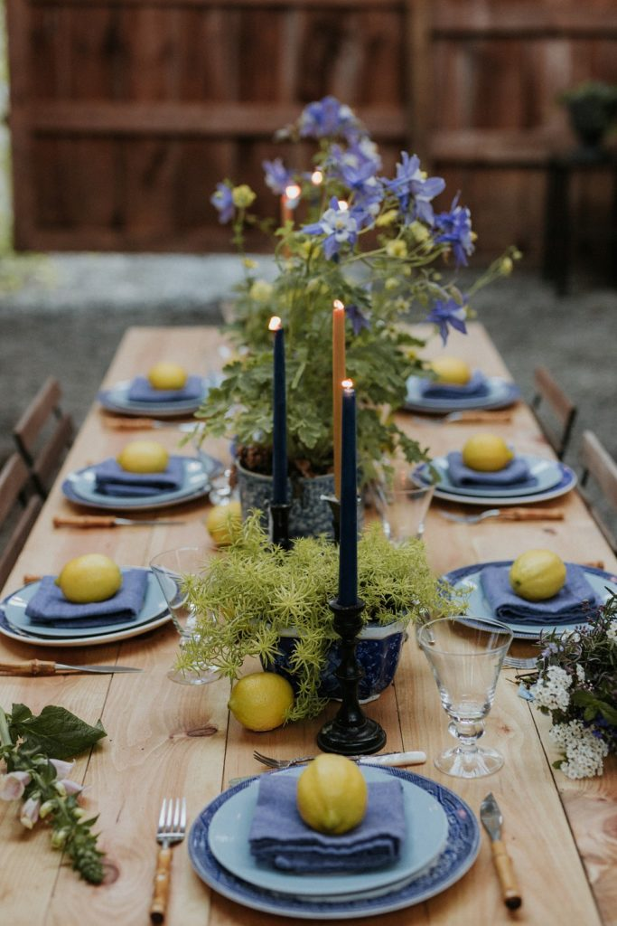 Want to set a gorgeous table this spring for a dinner party, Mother's Day, Easter , shower or just because? Here are 3 simple ideas for using florals as decor in your spring tablescape, table setting and centerpieces!