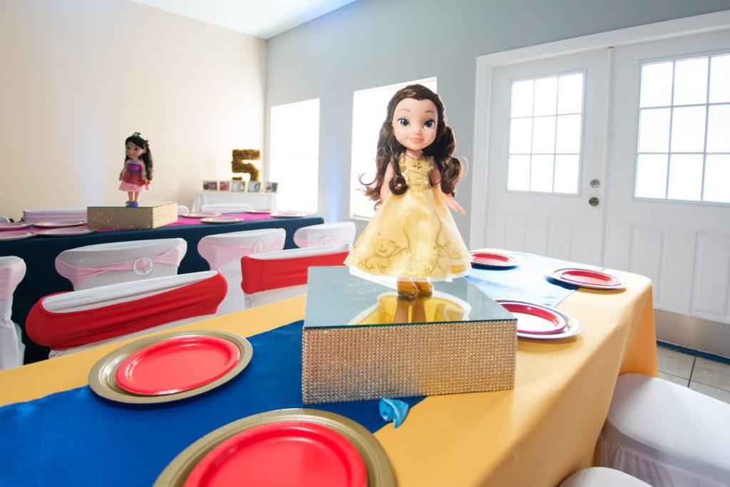Belle table centerpiece