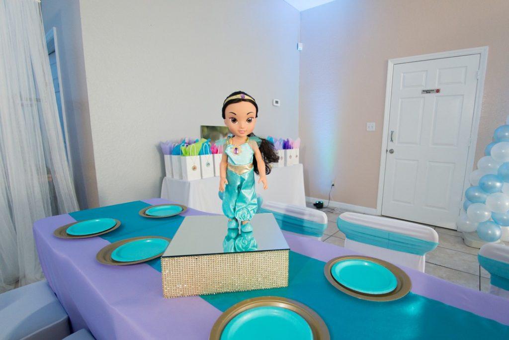 Jasmine table centerpiece