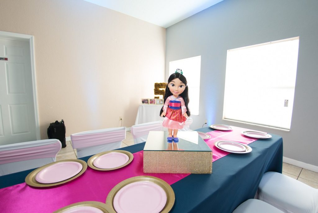 Mulan table centerpiece