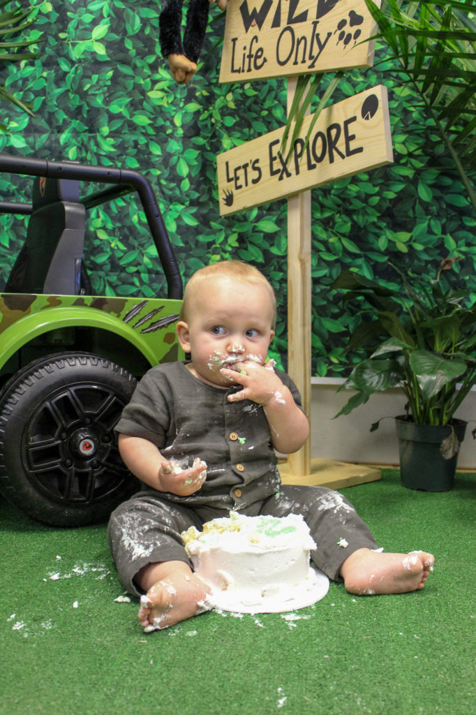 one year old cake smash at wild one party