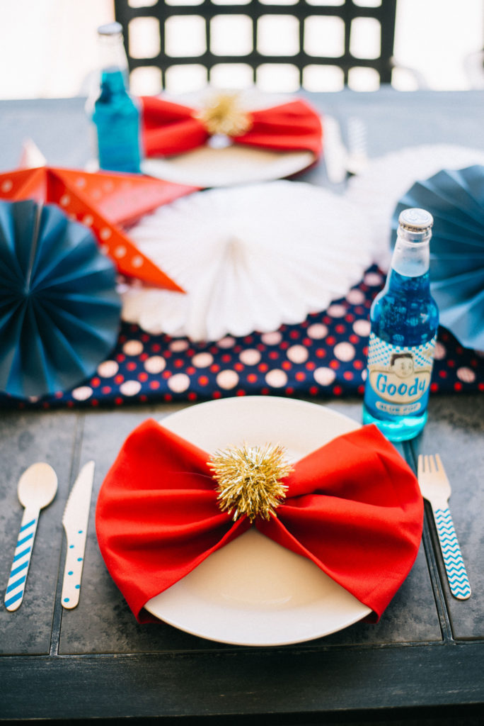 4th of july red, white and blue tablescape