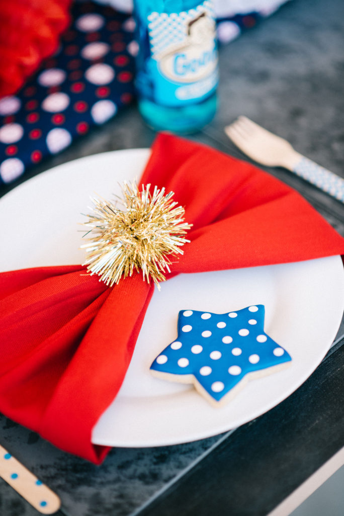 4th of july red, white and blue table decor
