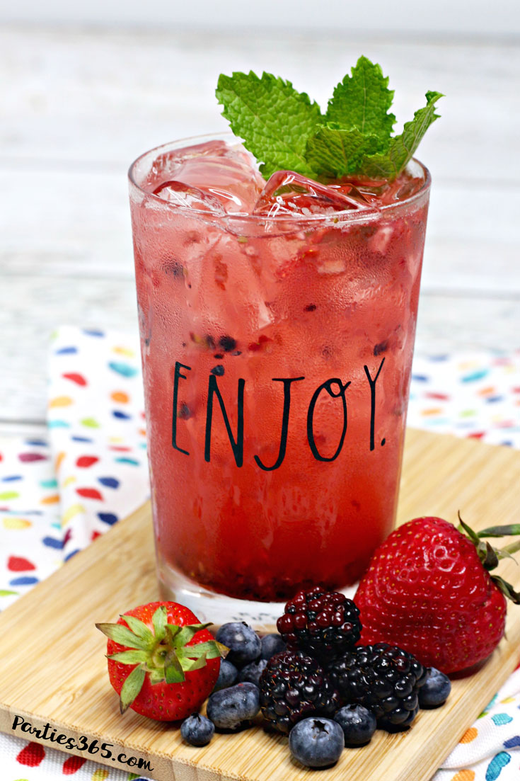 refreshing summer berry cocktail