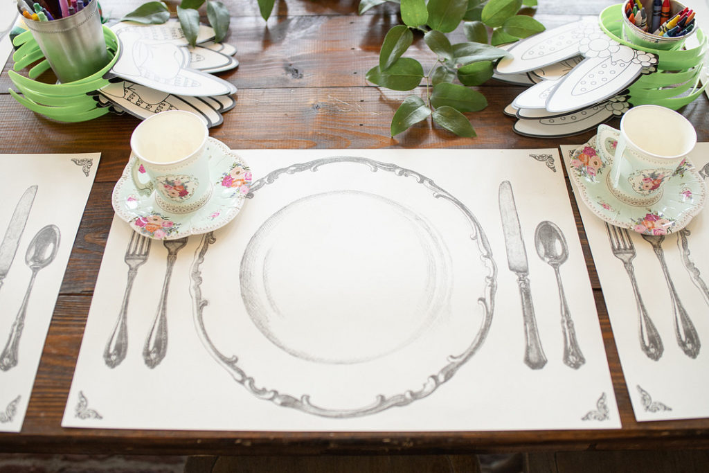 alice in onederland place setting
