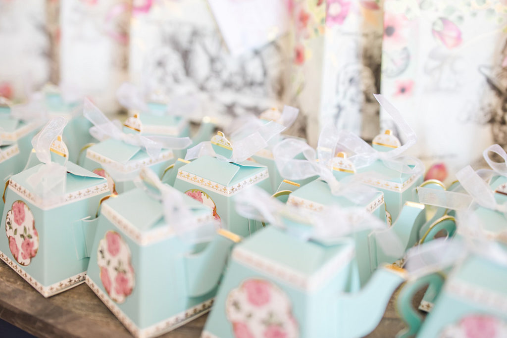 alice in onederland party favor tea pot boxes