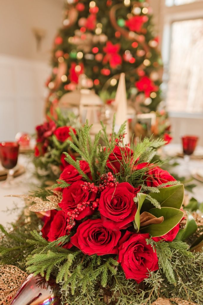 red roses for christmas table centerpiece