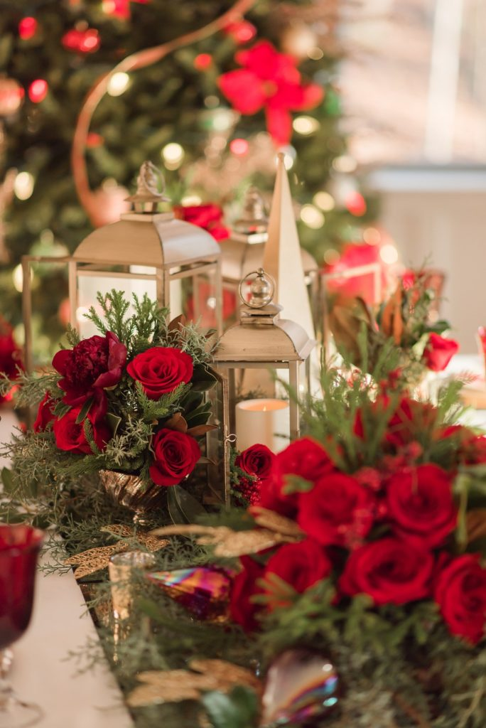 red and gold christmas centerpiece ideas
