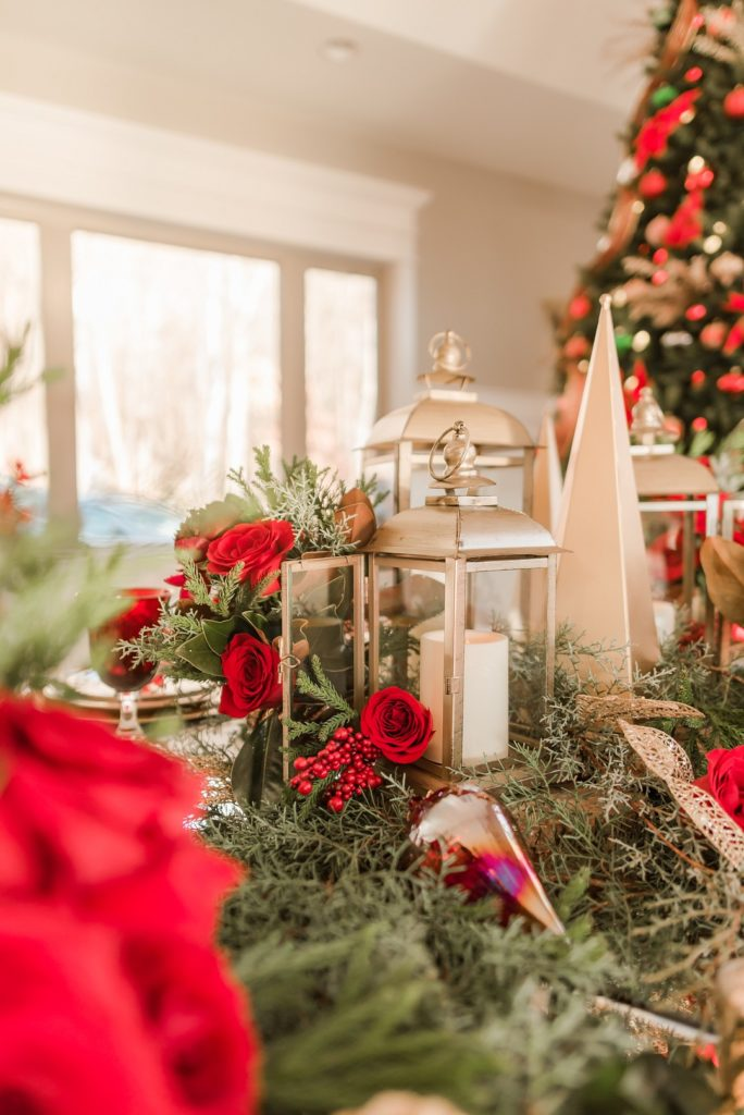 red and gold christmas table centerpiece ideas