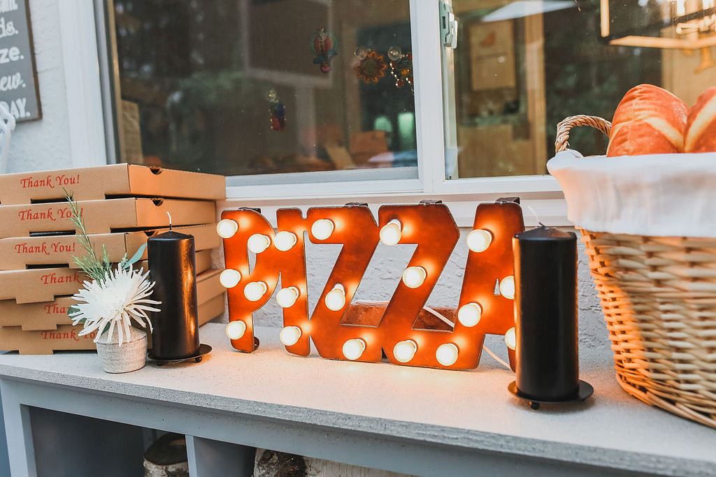 pizza party lights