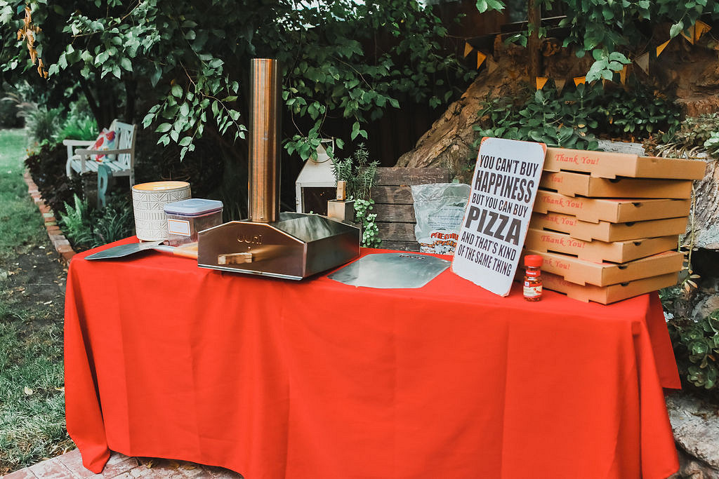 outdoor pizza oven for pizza party