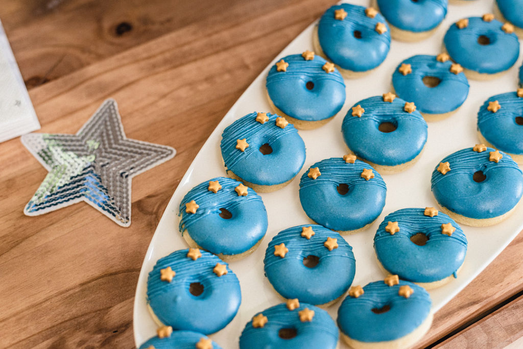 blue donuts with gold stars
