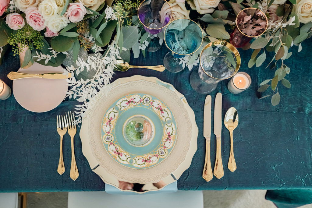 Easter place setting ideas with gold silverware