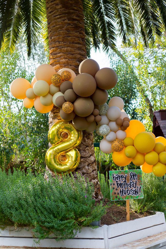 safari birthday party balloons