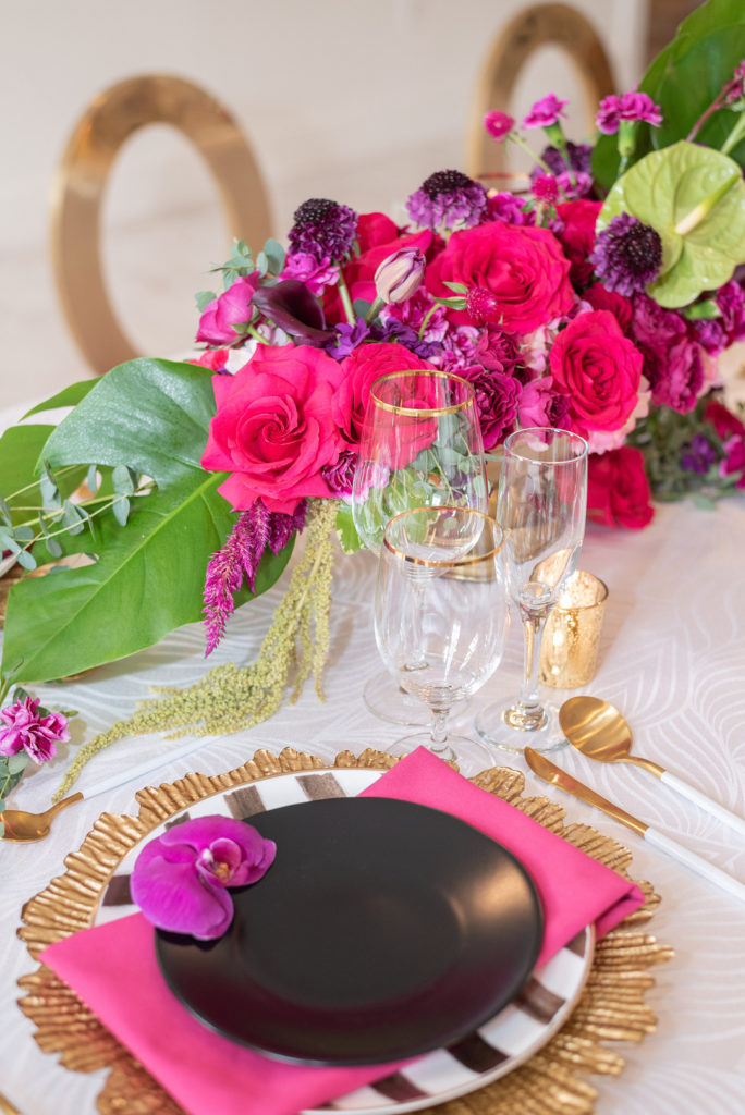 tropical tablescape place setting